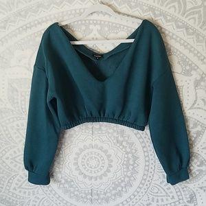 Boohoo crop sweater size M